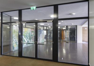 Haupteingangsfront, Schulhaus Steinacker, Au