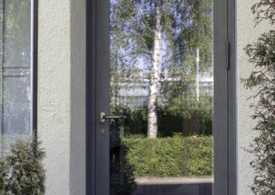 Lagertür, Bürogebäude, Schaub Maler AG, Oerlikon 01