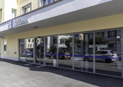 Schaufenster und Eingang, ZKB, Richterswil